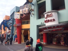Sepanjang Universal City Walk shop