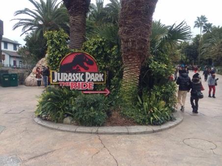 Lokasi menuju Jurassic Park Ride