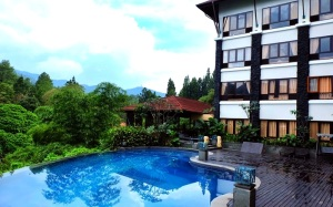 the grand hill puncak