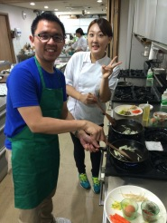 ivan prakasa make bibimbap in korea